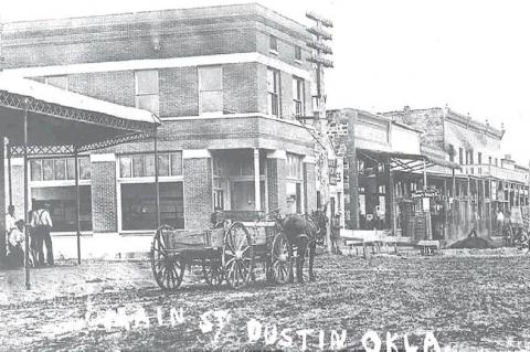DUSTIN MAIN STREET IN THE GOOD OLD DAYS